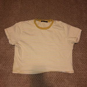 Brandy Melville Cropped Yellow Stripped Tee
